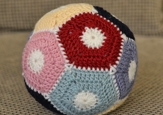 The crochet ball unveiling